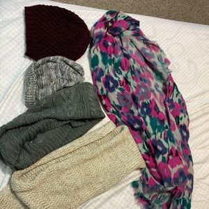 Women Hat and Scarf Bundle